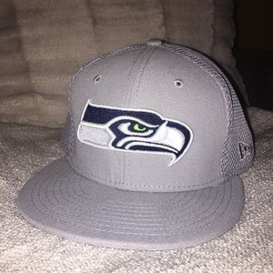 Other - NFL Seahawks gray hat sz 7.5 NWOT
